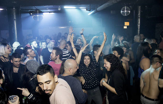 Where To Go in Chicago For Going Out Dancing At a Nightclub